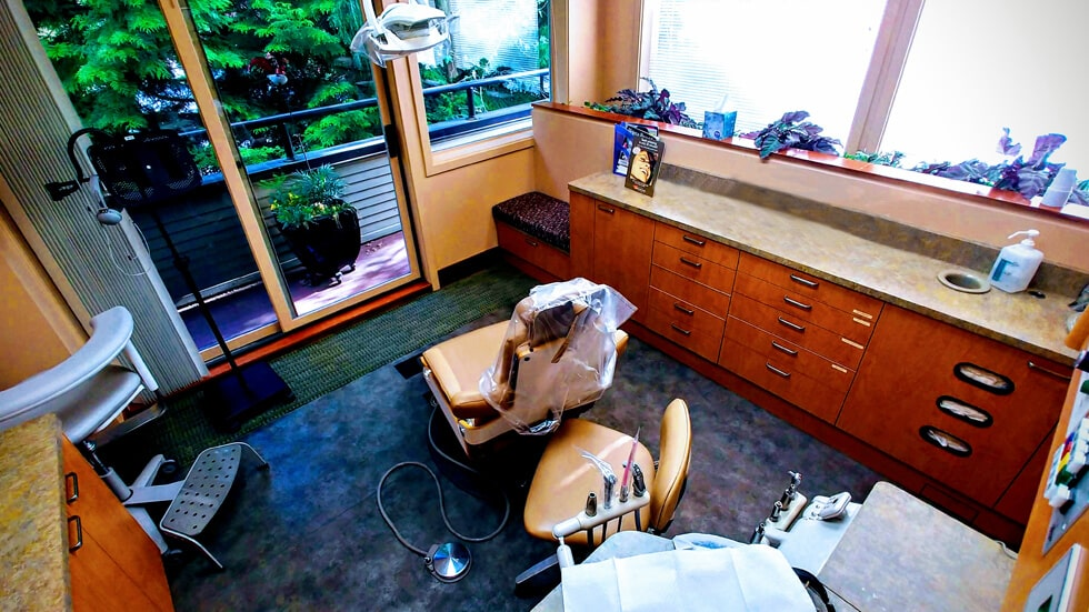 Our dental office seen from a wide angle showing the dentist's chair and all other instruments and equipment